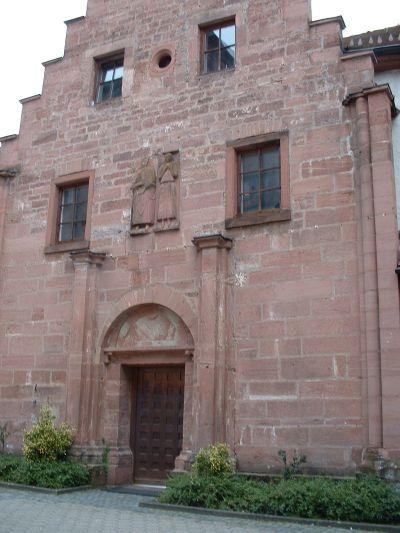 Gebäude im Innenhof der Burg Rieneck