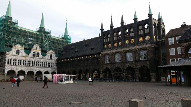 Marktplatz und Rathaus in Lübeck